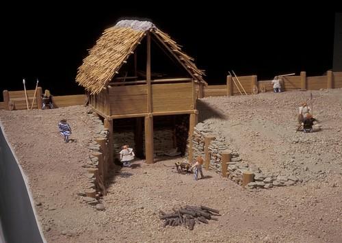 """La tour sud dite de la """"casemate"""", selon la première maquette de 1992"""